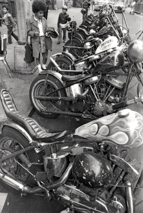 Vieilles photos (pour ceux qui aiment les anciennes photos de bikers ou autre......) - Page 8 Oldb210