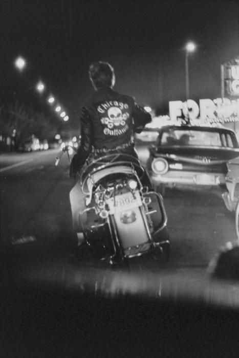 Vieilles photos (pour ceux qui aiment les anciennes photos de bikers ou autre......) - Page 8 Out10