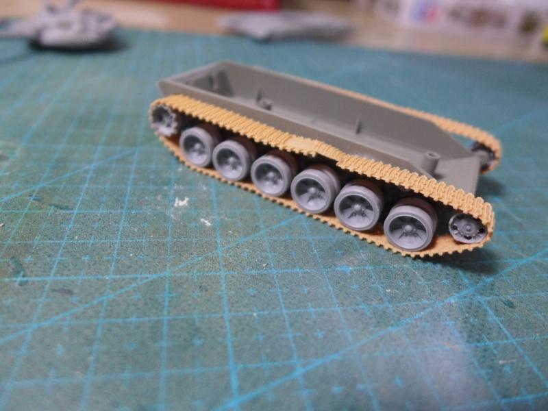 T-72B1 mit ERA Panzerung von Modelcollect P1040920