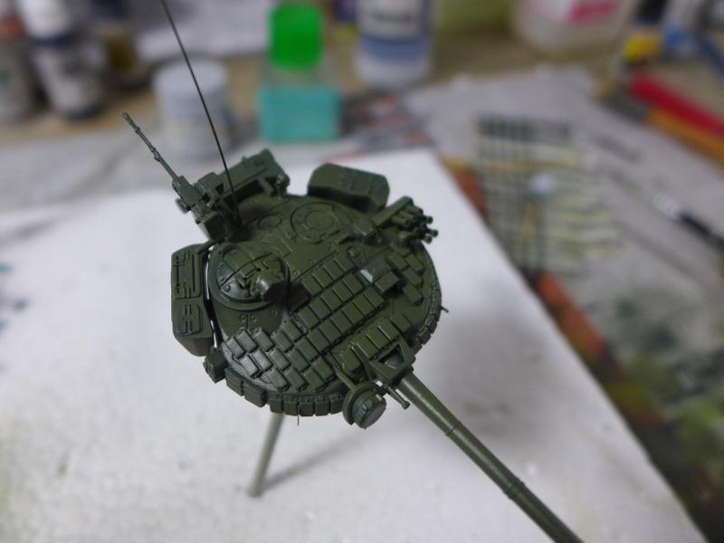 T-72B1 mit ERA Panzerung von Modelcollect P1040932