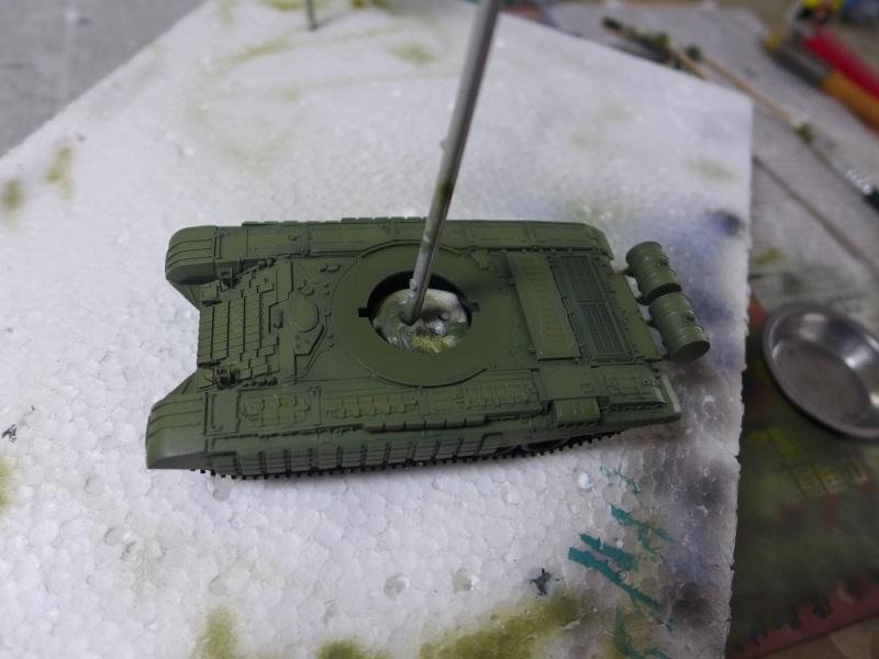 T-72B1 mit ERA Panzerung von Modelcollect P1040934