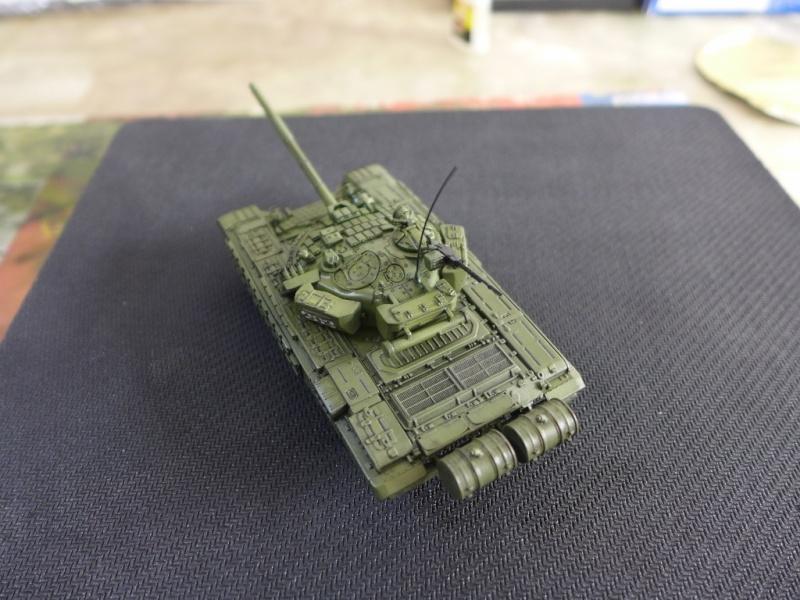 T-72B1 mit ERA Panzerung von Modelcollect P1040950