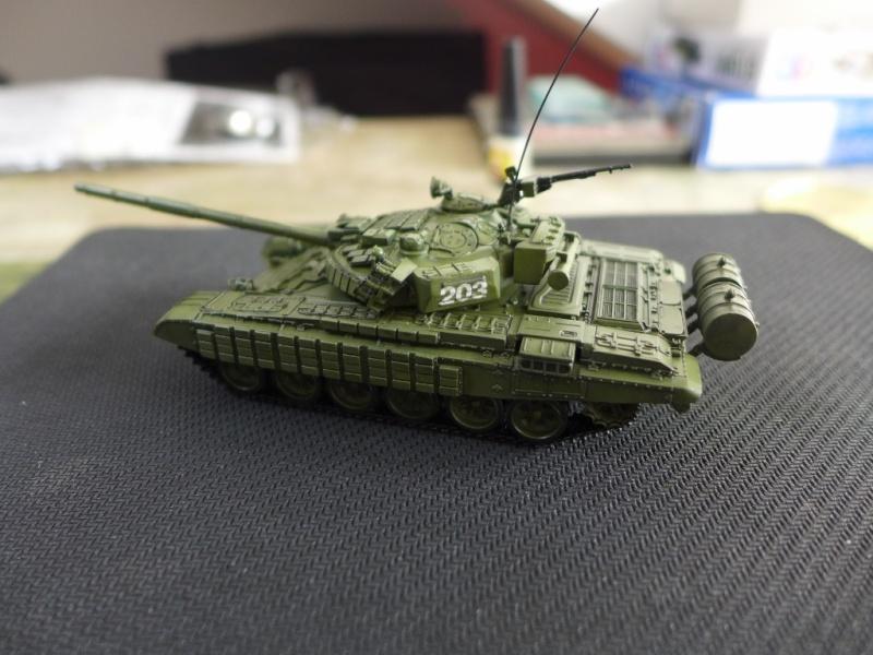 T-72B1 mit ERA Panzerung von Modelcollect P1040951