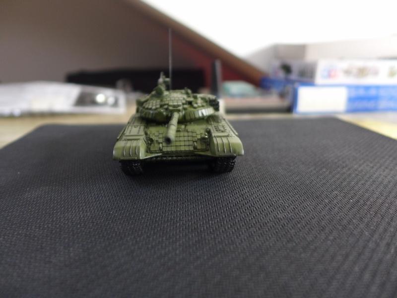 T-72B1 mit ERA Panzerung von Modelcollect P1040953