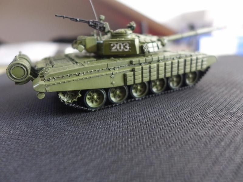 T-72B1 mit ERA Panzerung von Modelcollect P1040954