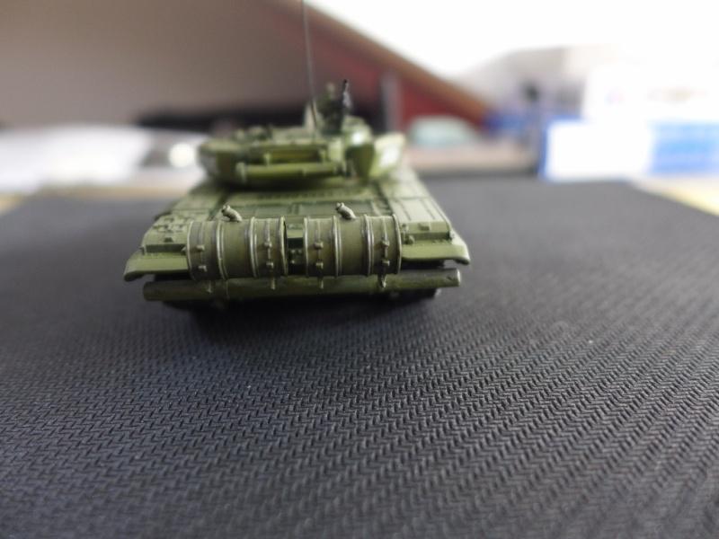T-72B1 mit ERA Panzerung von Modelcollect P1040955