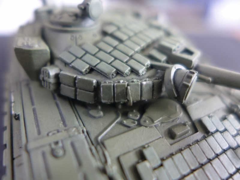 T-72B1 mit ERA Panzerung von Modelcollect P1040961