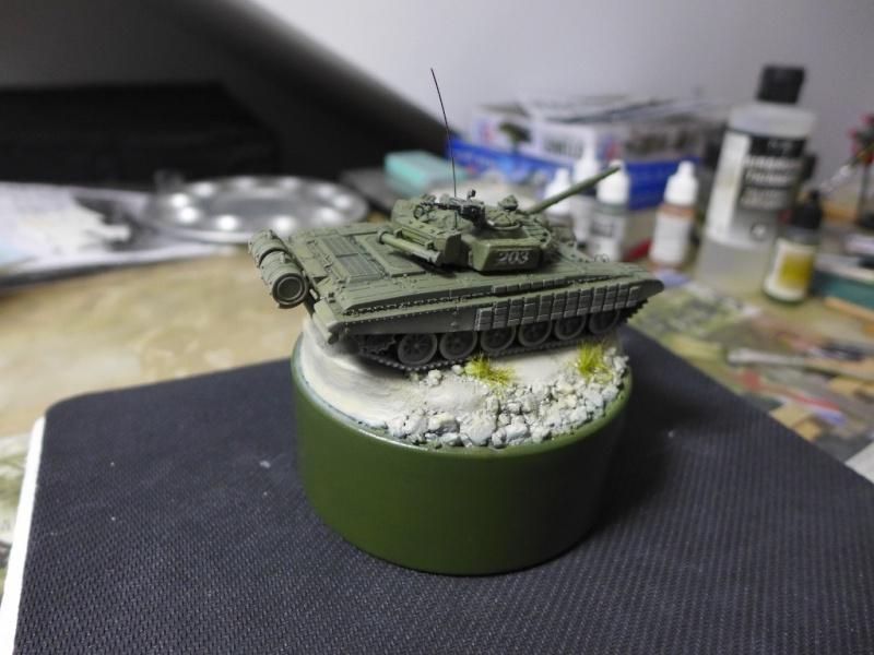 T-72B1 mit ERA Panzerung von Modelcollect P1050034