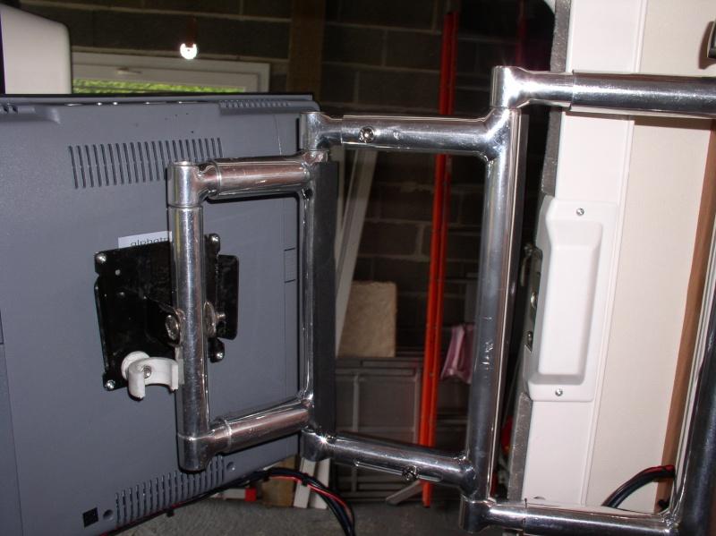 TV sur potence P1010014