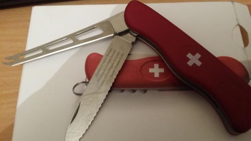 alfection les couteaux suisses  !!! - Page 9 20150910