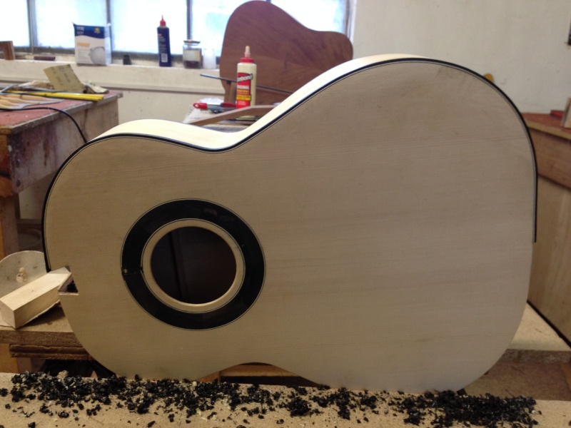 construction d une guitare blanca - Page 7 Img_2720