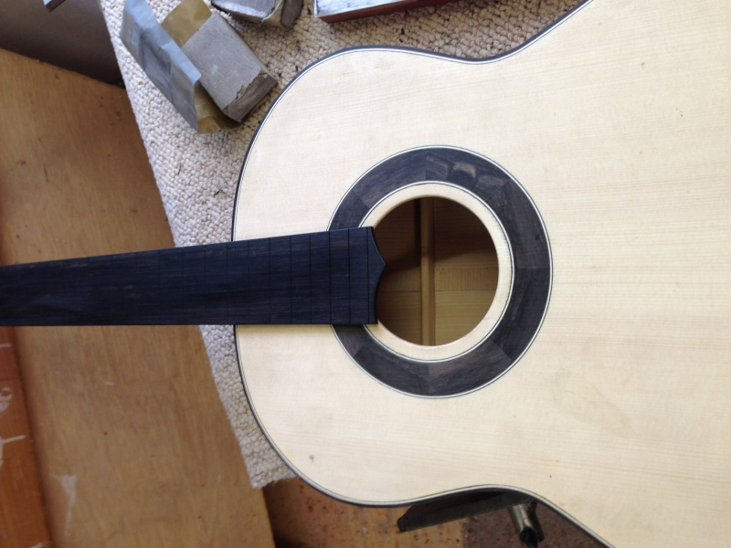 construction d une guitare blanca - Page 9 Img_3014