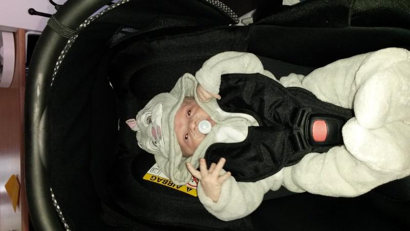 Arrivée de bébé dans le monde de Disney (déco chambre, faire part, idées baptême, vêtements ...) - Page 3 20151010