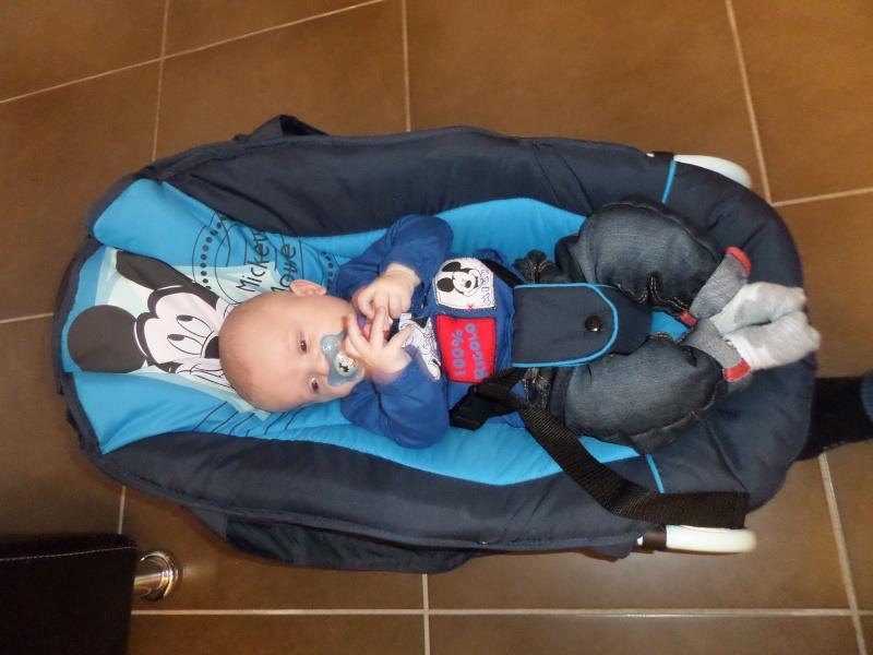 Arrivée de bébé dans le monde de Disney (déco chambre, faire part, idées baptême, vêtements ...) - Page 3 Sam_0820