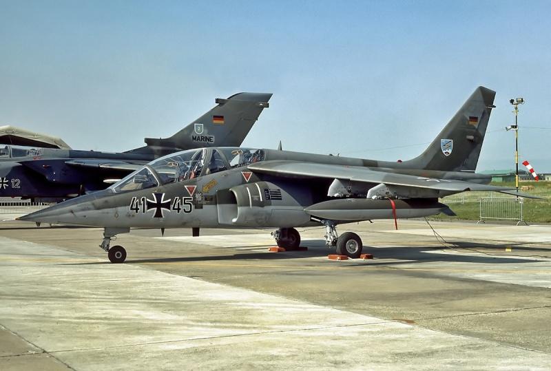 AMD-BA DORNIER Alpha jet A du waffenschule 50 ( kit heller 1/72 ) Dornie10