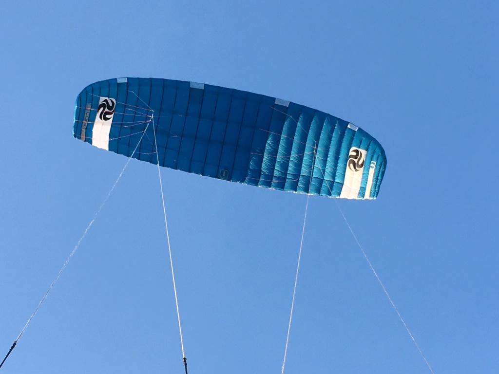 mini kite pour foiler dans les vagues - Page 8 Img-0110