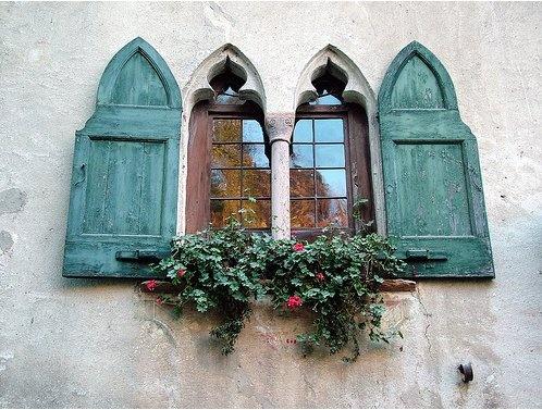 Des fenêtres d'hier et d'aujourd'hui. - Page 21 52bf5b10