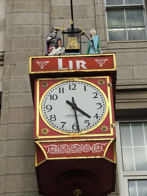 Reçu un beau diapo....Les horloges et pendules des rues..... - Page 6 Dublin11