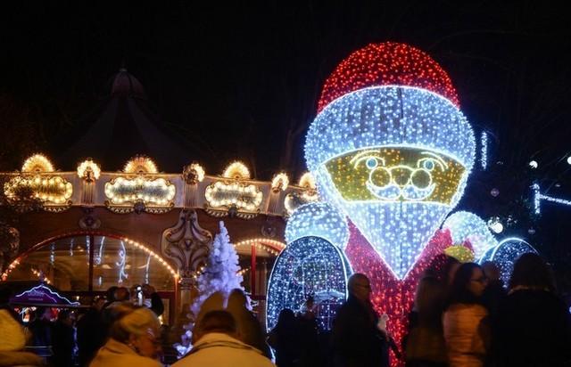 Les illuminations de Noël pour les fêtes 2.015   2.016 ! Laval10