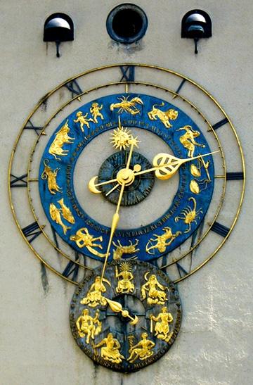 Reçu un beau diapo....Les horloges et pendules des rues..... - Page 7 Mueum_10