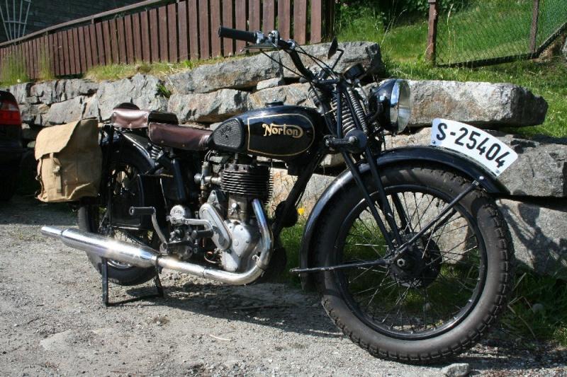 Basé sur l'ordre alphabétique, des noms de voitures, camions, dragsters, vélos, motos, tracteurs, bref tout ce qui roule !... - Page 18 Norton10