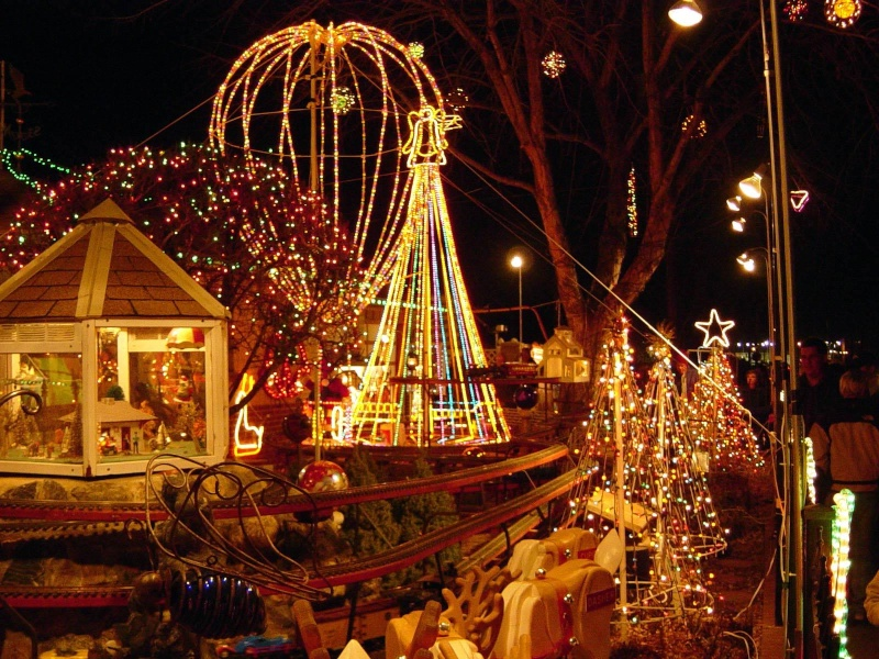 Les illuminations de Noël pour les fêtes 2.015   2.016 ! - Page 2 Noyl_n10