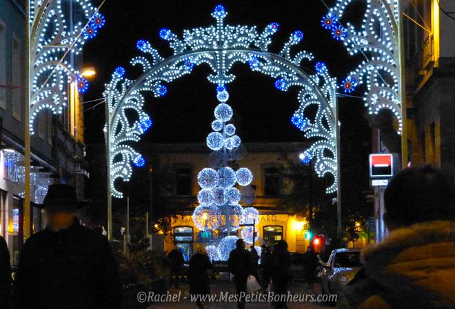 Les illuminations de Noël pour les fêtes 2.015   2.016 ! Sapin-10