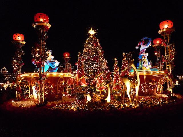 Les illuminations de Noël pour les fêtes 2.015   2.016 ! - Page 2 V_420610