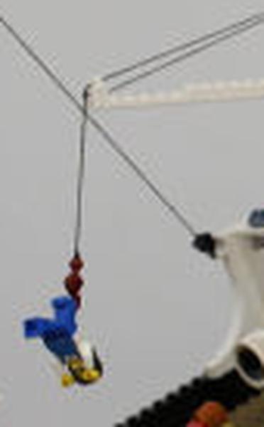 Exposition londonienne d'un Titanic géant en lego (11-13/12) Cffgda11