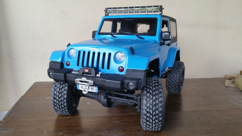 [Axial SCX10] Chris Customs.  Jeep Wrangler Hydro Blue 20160216