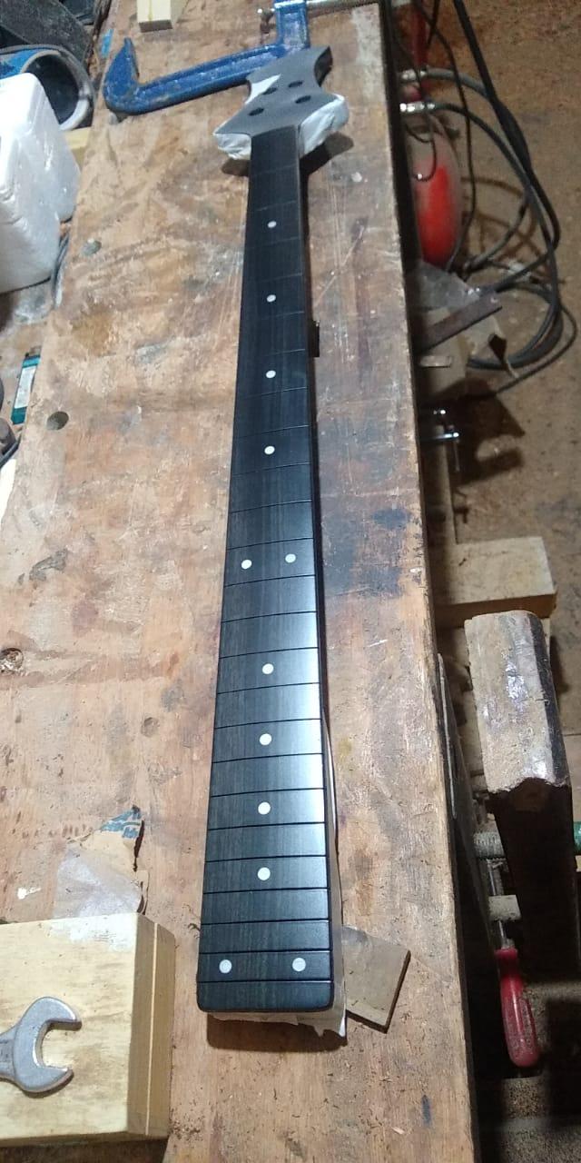 Projeto de baixo na Guidini Guitars (cancelado pela luthieria) Whatsa16
