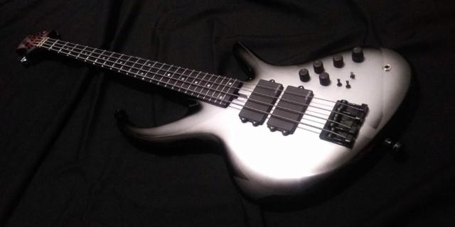 Projeto de baixo na Guidini Guitars (cancelado pela luthieria) Whatsa28