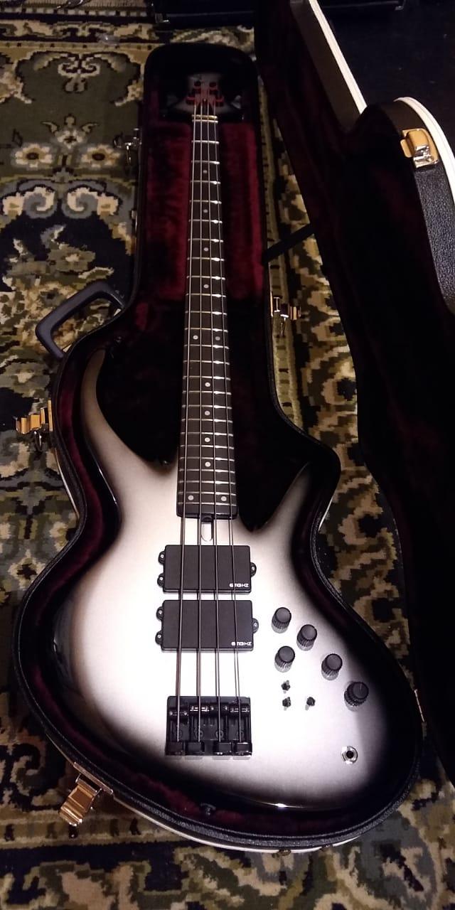 Projeto de baixo na Guidini Guitars (cancelado pela luthieria) Whatsa32