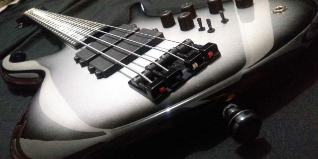 Projeto de baixo na Guidini Guitars (cancelado pela luthieria) Whatsa33