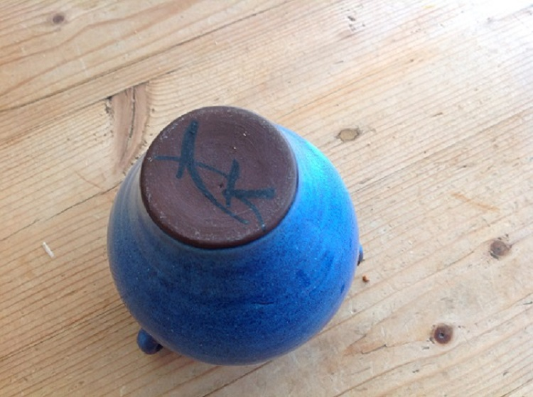 Help to identify this potter AK? Img_0811
