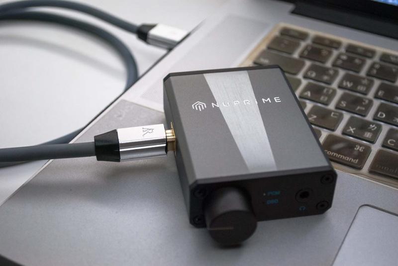 NuPrime uDSD -portable DAC. Decodes 24-bit PCM384 & native DSD256 files. Udsd10