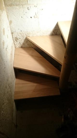 Réparation d'un escalier - Page 2 Dsc_0021