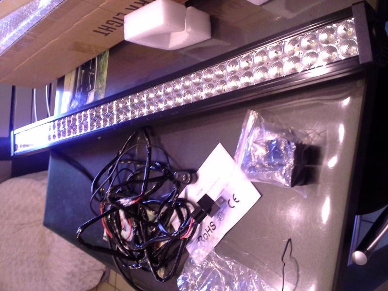 """Une """"LED Light Bar"""" est-ce suffisant!?! pas sur... 20151214"""