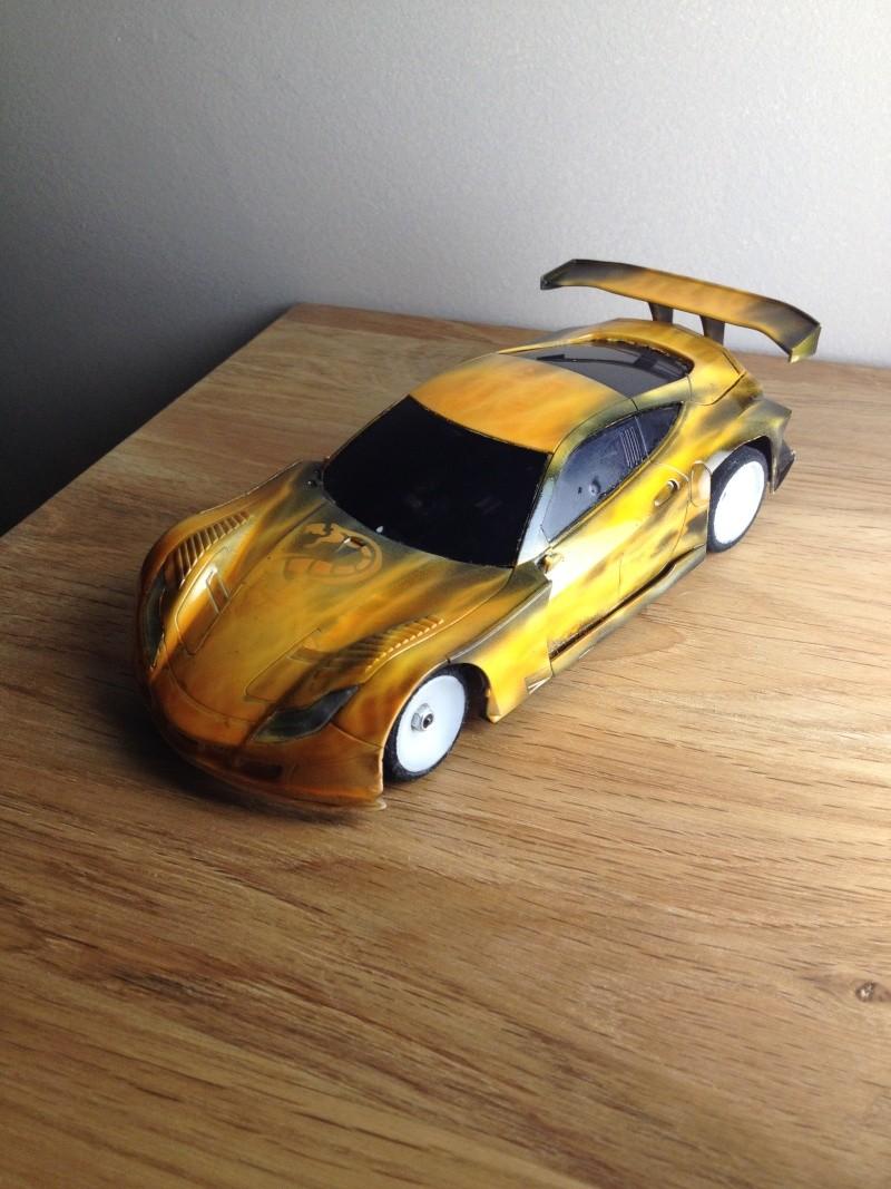 une honda un peu jaune (mustang) 01410