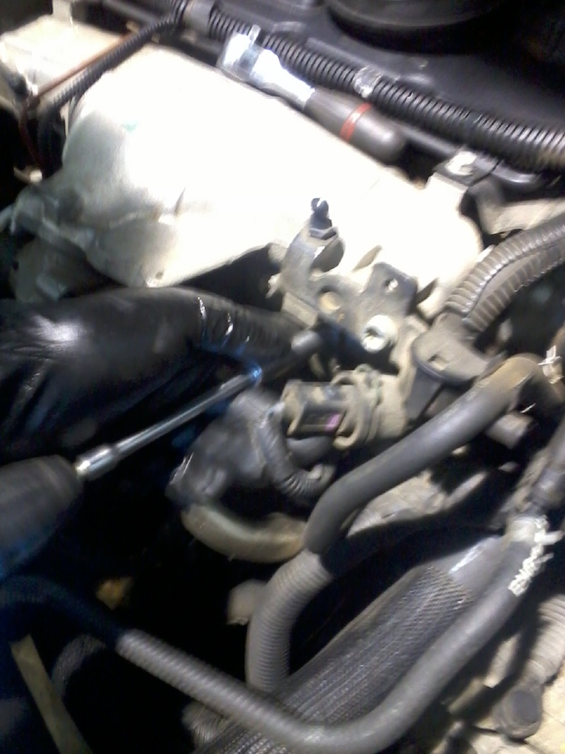 TUTO : Vidange moteur Avenger CRD SXT 2 L Photo044
