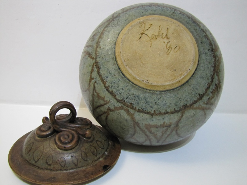 Studio Pottery vessel and cover ID ? Kapel ? scroll handle Img_9012