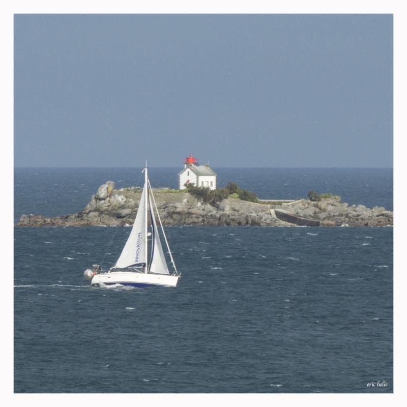 Phare de l' ile Harbour  à Saint Quay Portrieux _dsc0843