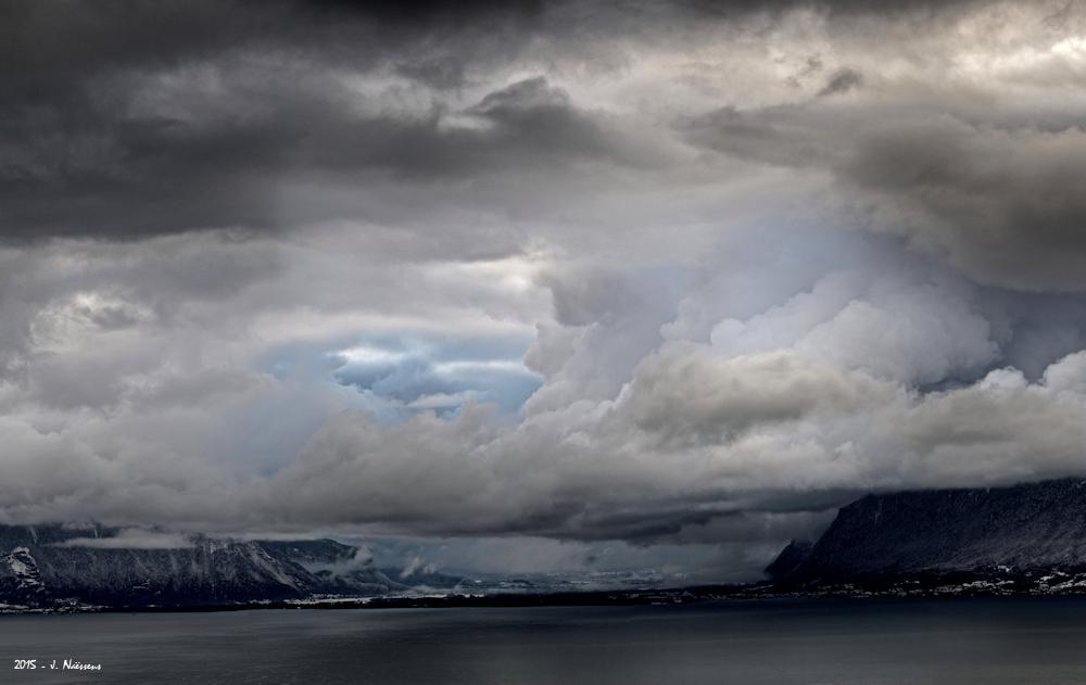 Paysage d'hiver sur le lac 20151111