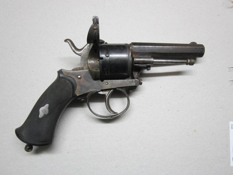Quel est ce revolver ?  Img_1418