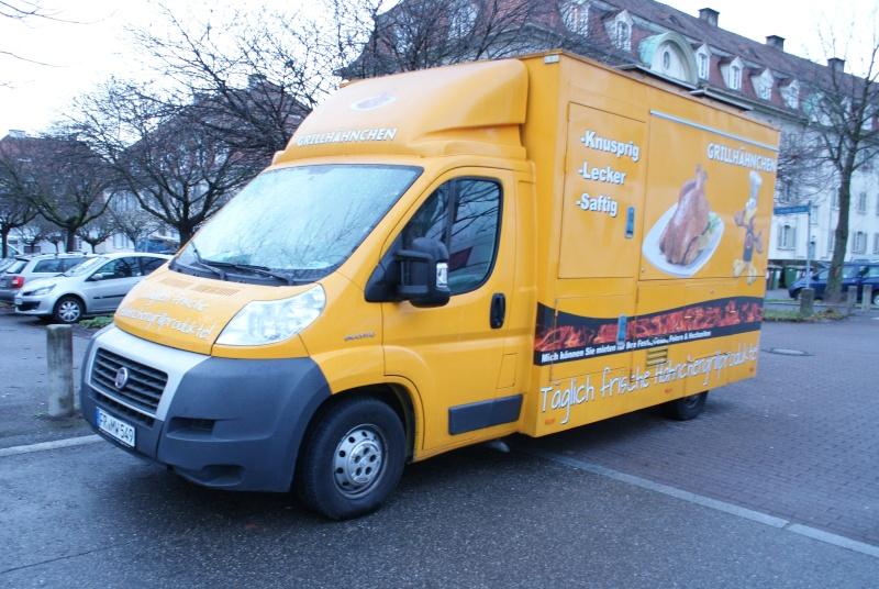 Les camions magasins (Pizza, marchés, etc etc) - Page 3 Dsc00312