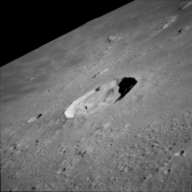 """""""Les aliens sur la Lune"""" sur Syfy 774710"""