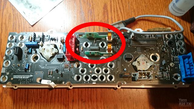 Compteur électronique - Où est sotckée la mémoire du kilométrage ? Ecran_10