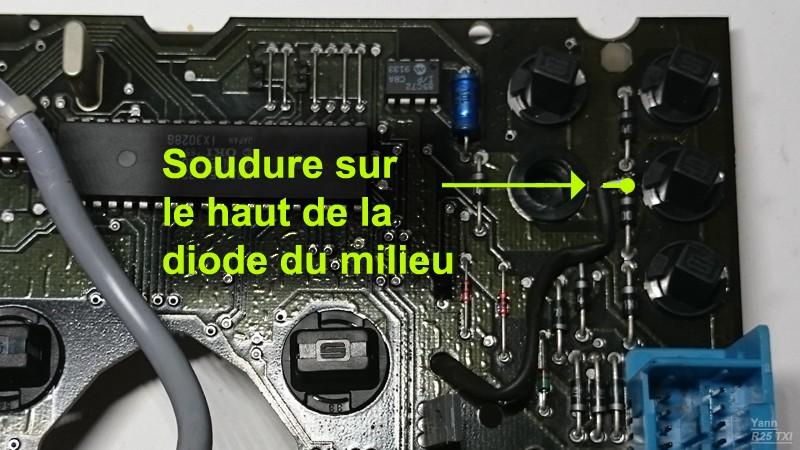 Compteur électronique - Où est sotckée la mémoire du kilométrage ? R25_sc13