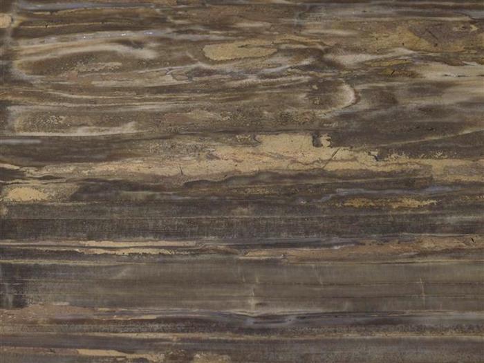 Collection de Marie-Antoinette d'objets et meubles en bois pétrifié  07-53715