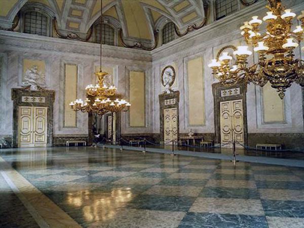 Marie-Caroline à Naples : le Palais Royal de Caserte - Page 2 11636-10